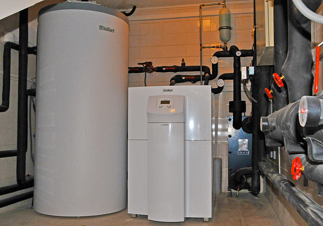 Vaillant 750 liters buffer and geothermal heat pump GeoTHERM VWS 300/2 in Amadeo
