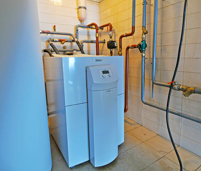 Vaillant geothermal heat pump GeoTHERM VWS 300/2 connected to the geothermal probes