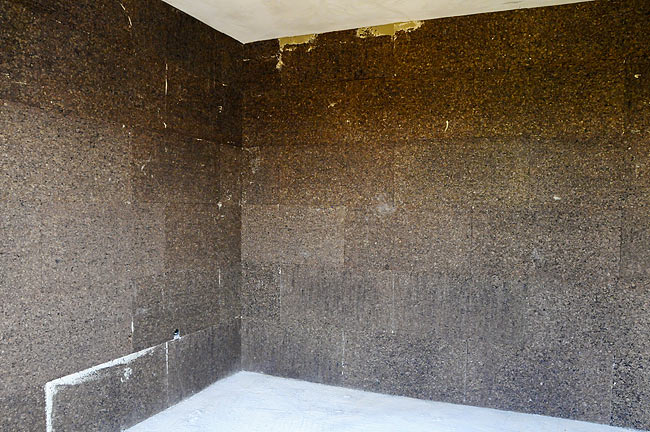 Wall covered with industrial cork board 2cm