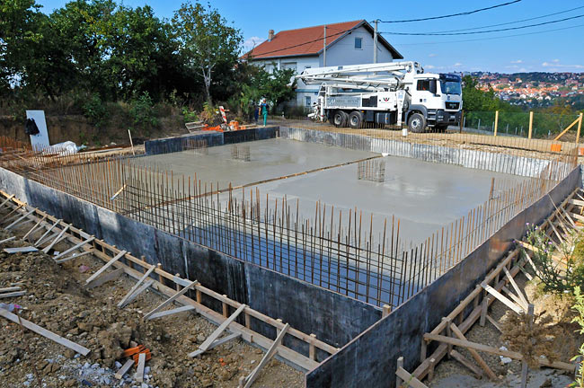 Amadeo II armed concrete base slab finished