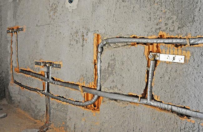 Beodom amadeo ii construction update installation for Water wall plumbing
